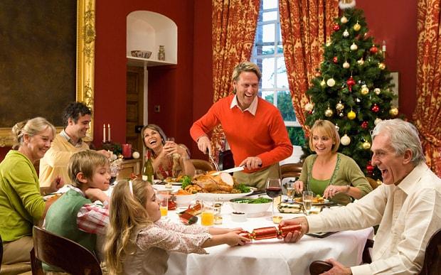 Как встречать Новый год 2018: что приготовить на стол, как украсить дом и что одеть?