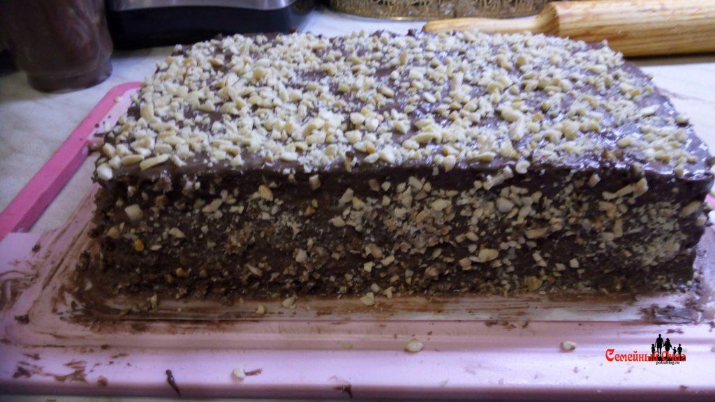 Вот торт Сникерс в домашних условиях