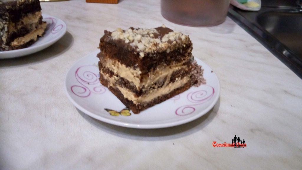 Торт Сникерс на срезе