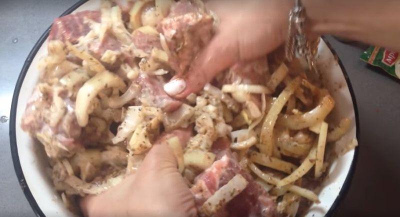 маринад для шашлыка из свинины на кефире