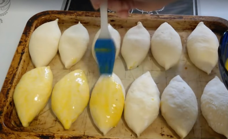 пироги с луком и яйцом