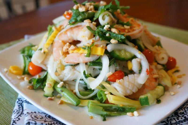 Салаты из кальмаров – очень простые и вкусные рецепты на праздничный стол