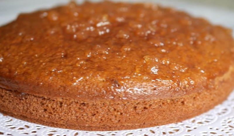 быстрый пирог с карамелью